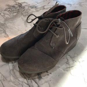 Kids Toms wedge fashion shoe